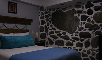 Habitación 2 SIMPLE 2 PAX – 1 Cama Doble (Baño privado)