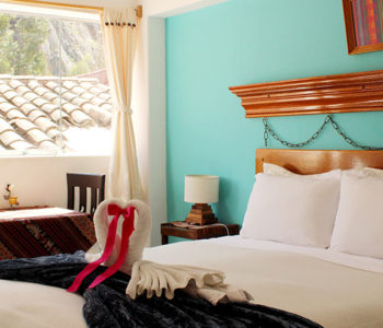 Room 3 SUPERIOR QUEEN 2 PAX – 1 Queen Bed (Private bathroom with tub)