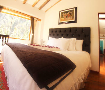 Room 4 SUPERIOR KING 2 PAX – 1 King Bed (Private bathroom)