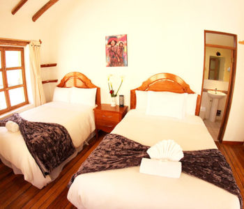 Room 7 FAMILY 4 PAX – 1 Double bed + twin bed (Private bathroom)